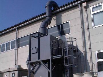 NC加工機用湿式集塵機による省スペース化